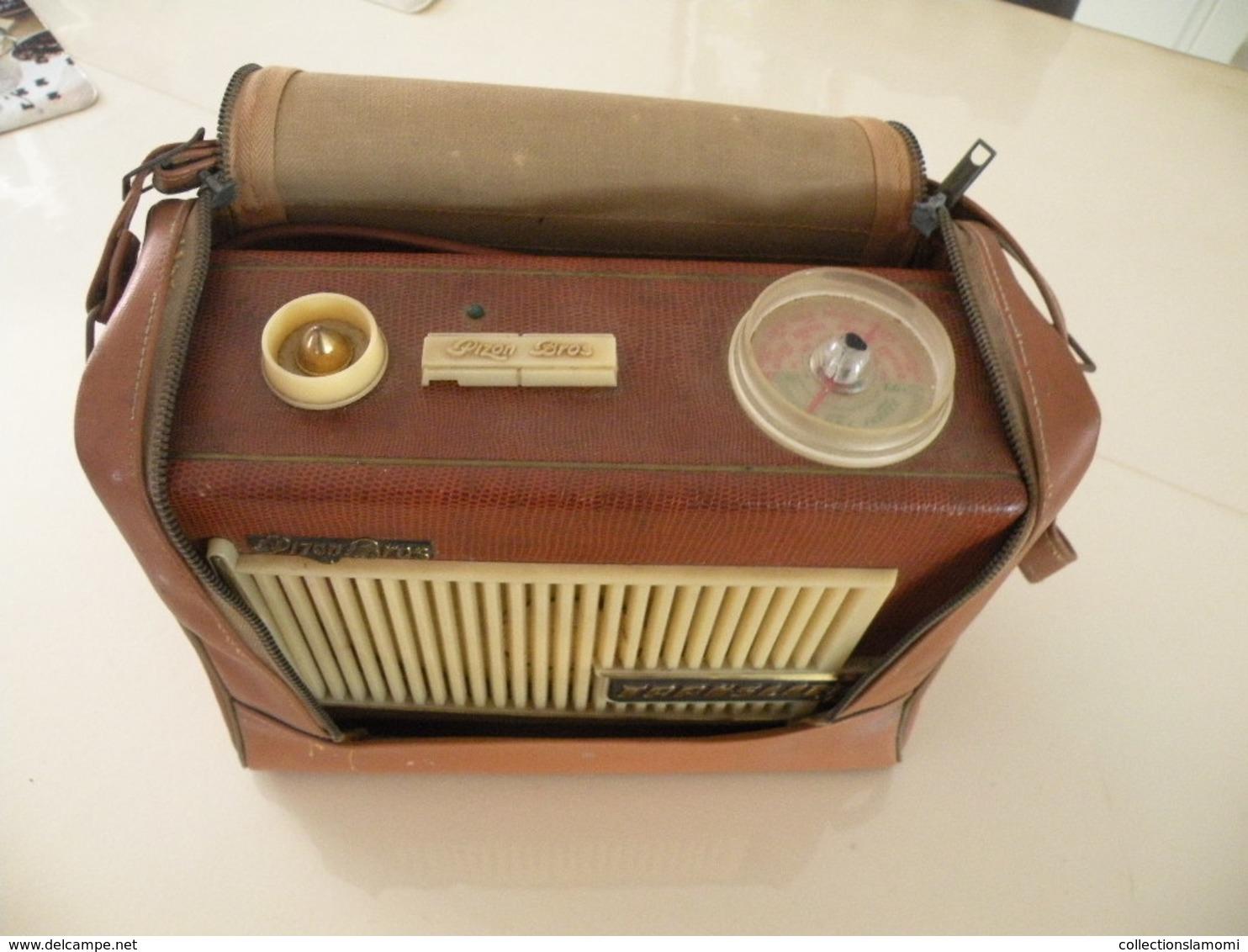 Ancienne Radio Transistor Seven (Pizon Bros) En état De Fonction (0,28cm X 0,11 Cm H 0,21) Avec Son étui En Cuir - Apparatus