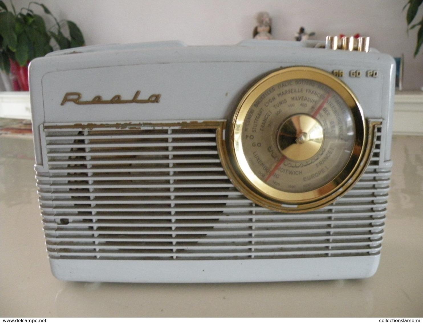 Ancienne Radio Transistors (Roola) En état De Fonction (0,23 Cm X 0,10 Cm H 0,16 Cm) - Appareils