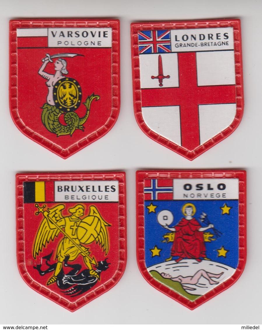 ECUSSON PLASTIQUE X4  Collection SERIE DES GRANDES CAPITALES De DANONE / Londres,oslo,varsovie,bruxelles - Ecussons Tissu
