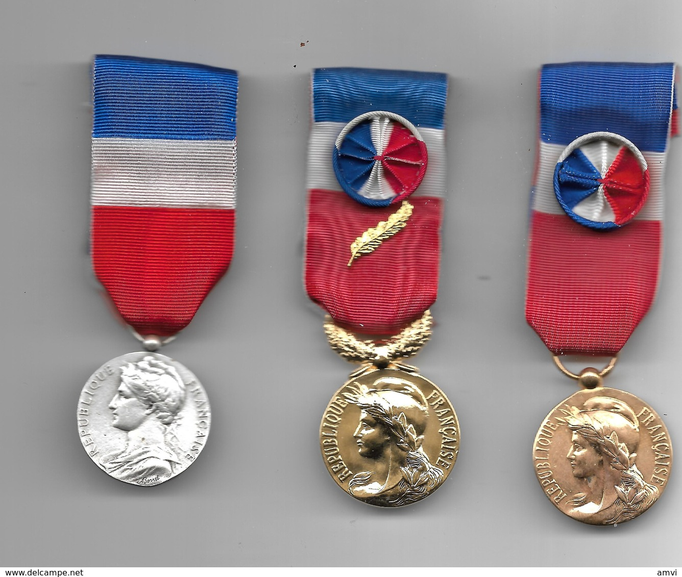 Vente Enchere Flash 48 H Mise à Prix 1 Euro Lot De 3 Medailles Travail Argent - Or Et Vermeil ( Avec Boite ) - Otros