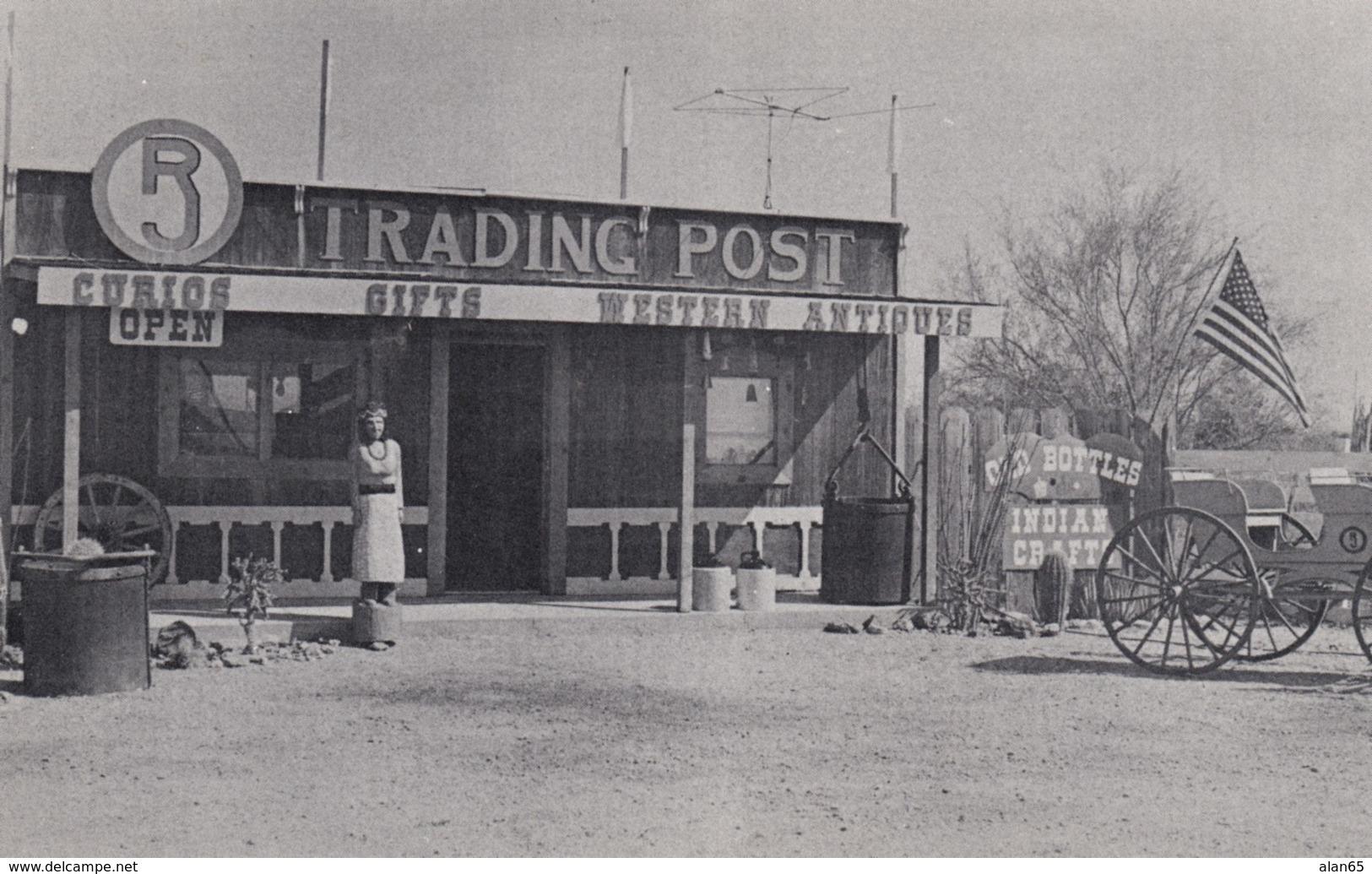 Martizez Lake Arizona, R Circle J Trading Post, Curio And Gift Store On Colorado River C1960s Vintage Postcard - United States