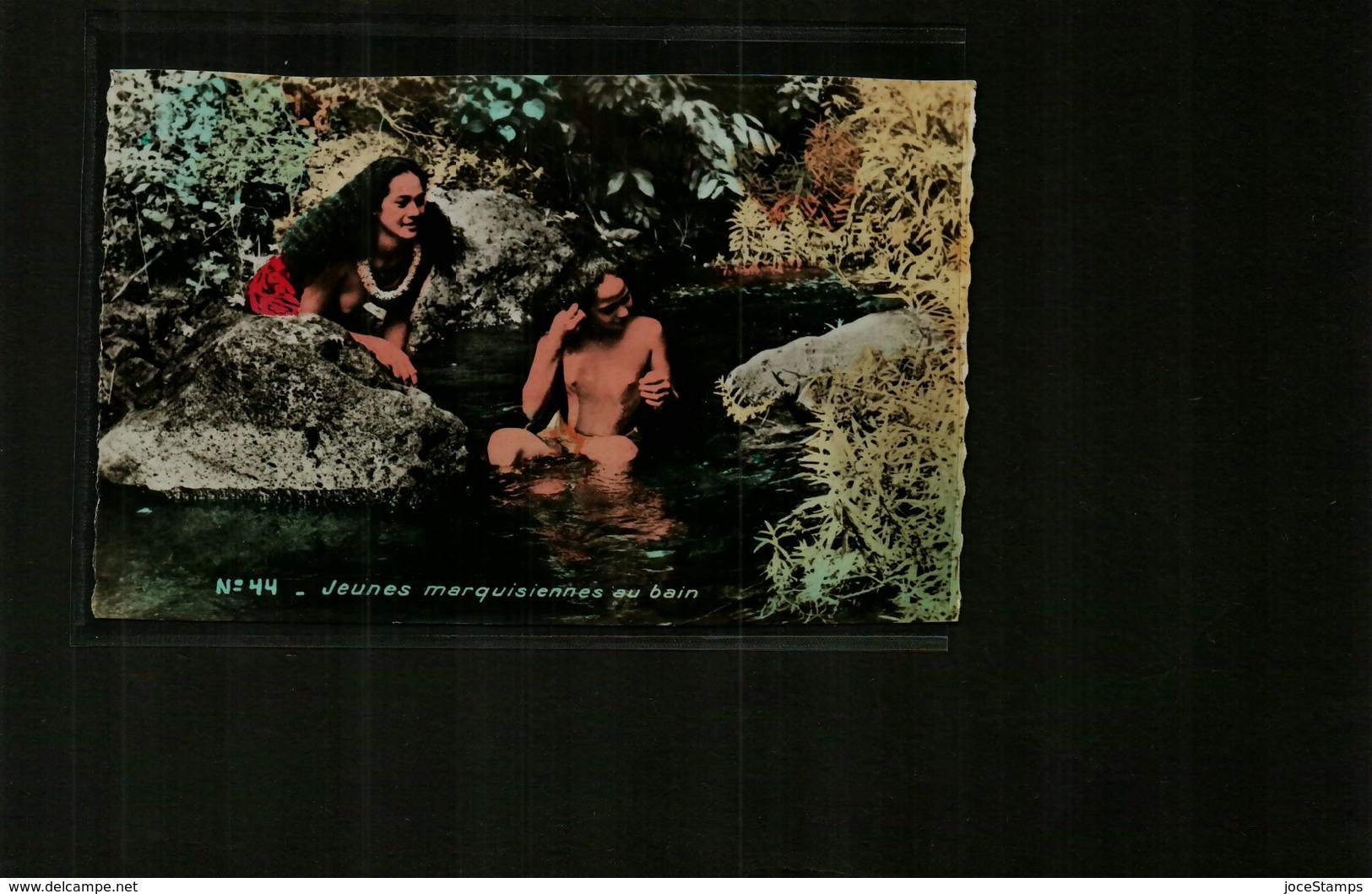 Polynésie Française Jeunes Marquisiennes Au Bain Nu, Nues, Nude, - Polynésie Française
