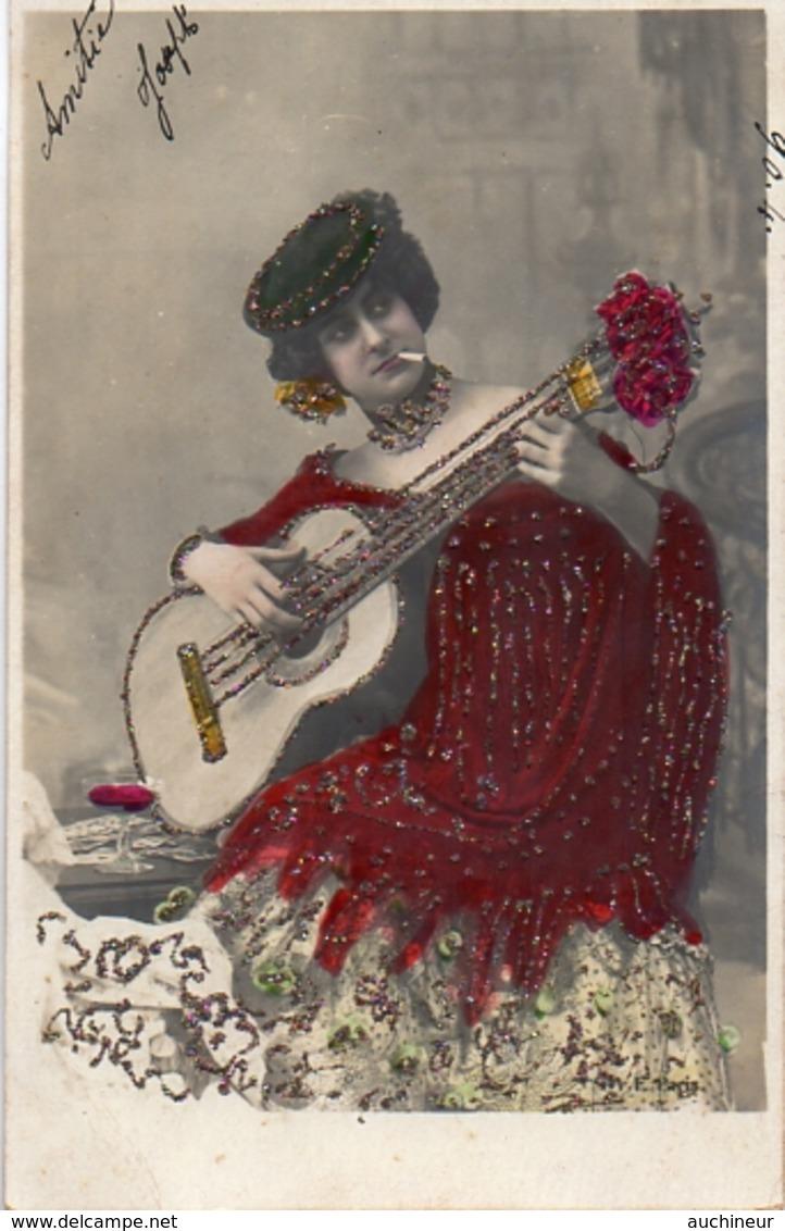 Artiste Femme 1900 - Attribué à Fornarina Guitare Cigarette, Espagne Couleur Et Paillettes - Schauspieler