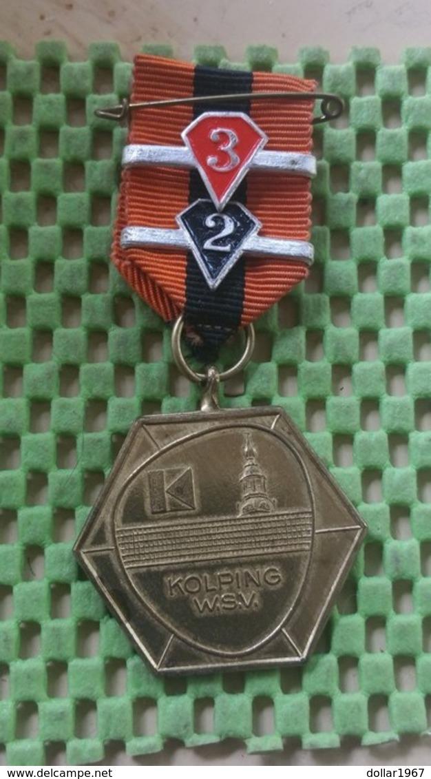 Medaille :Netherlands  - W.S.V Kolping , Nijmegen.  / Vintage Medal - Walking Association - Niederlande