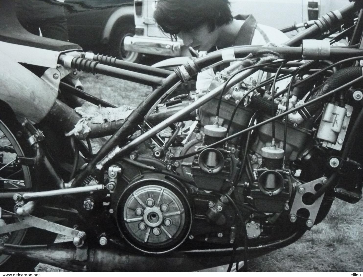 Rare! Belle Photo Ancienne Moto Ancienne Années 70 Tampon Photographe  !!! - Motorbikes