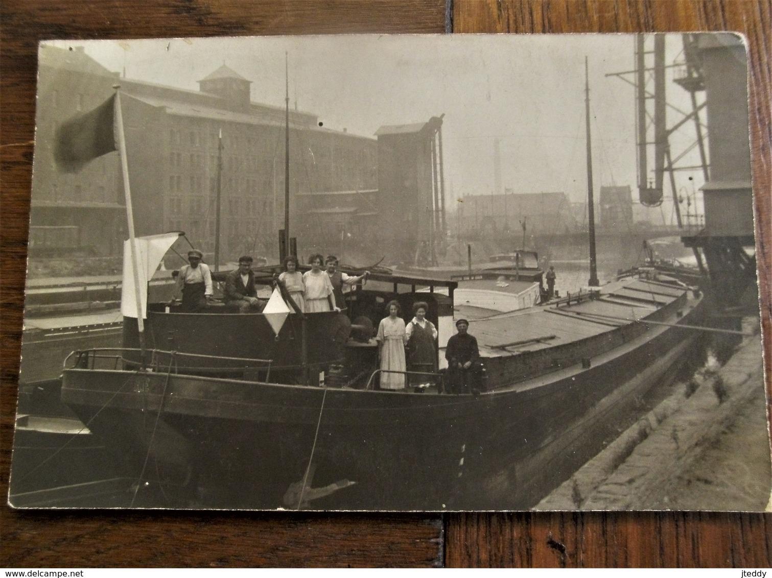 Oude FOTO-KAART Schippersvolk Op Hun Vrachtboten - Commerce