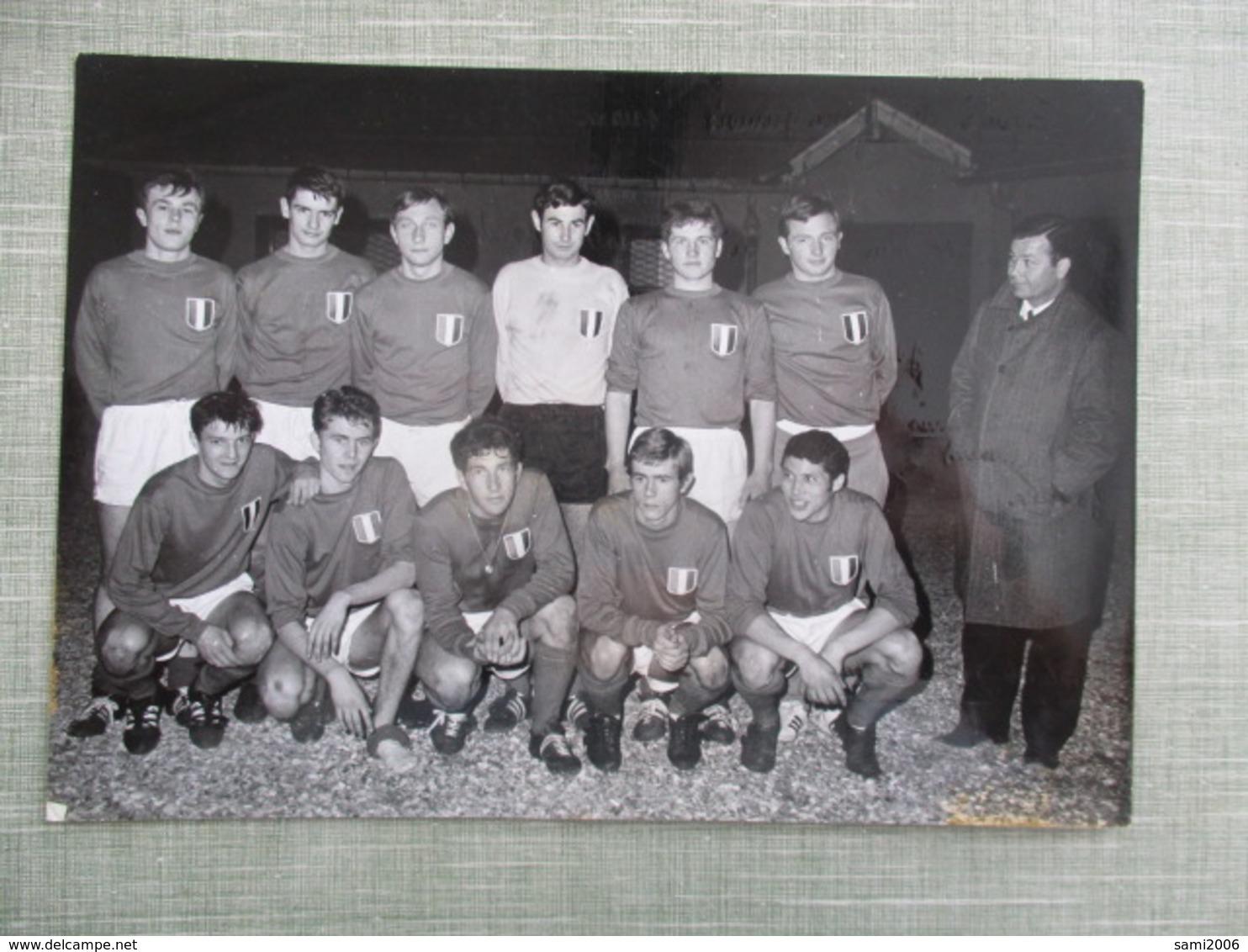 GRANDE PHOTO EQUIPE DE FOOT EQUIPE DE FRANCE JUNIORS  SAISON 1966-67 - Sporten