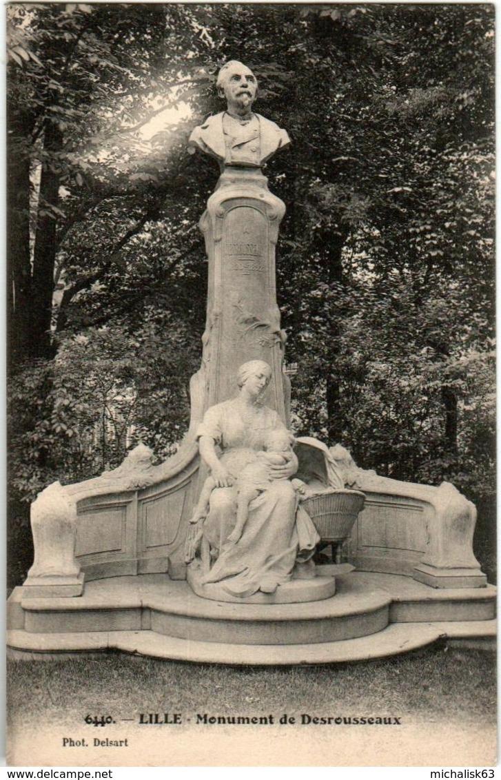 51gk 736 CPA - LILLE - MONUMENT DEDESROUSSEUX - Lille