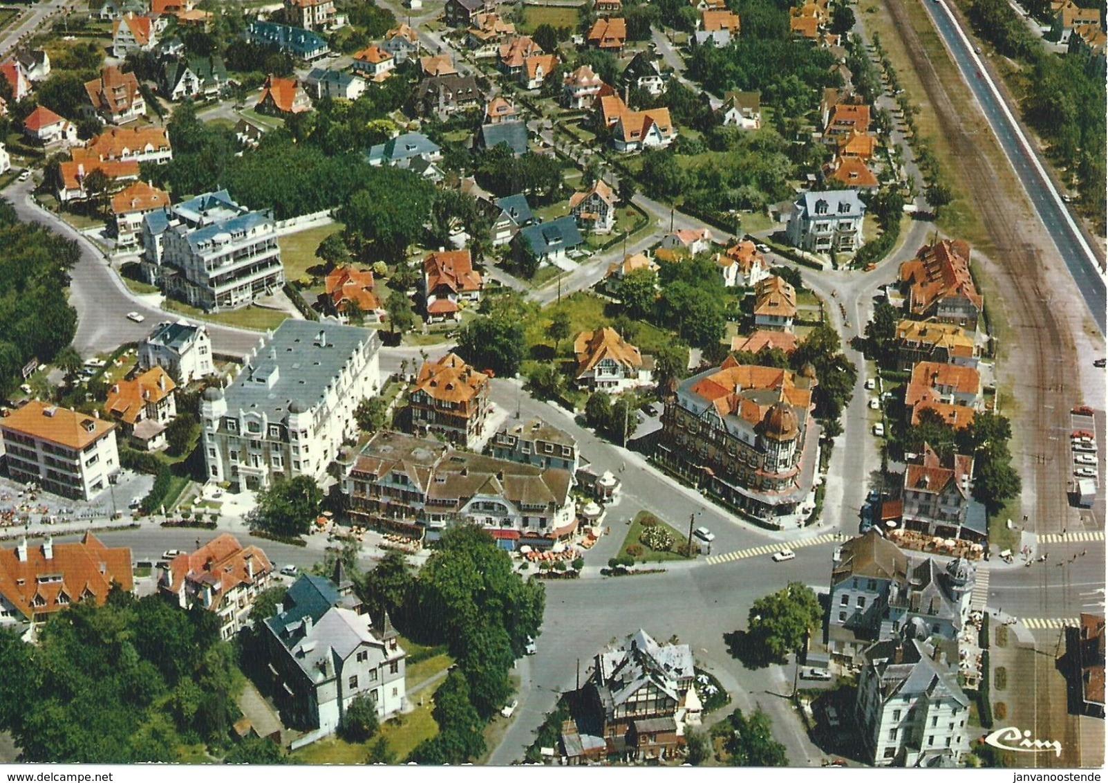 B35  De Haan - Luchtopname - Panorama - De Haan