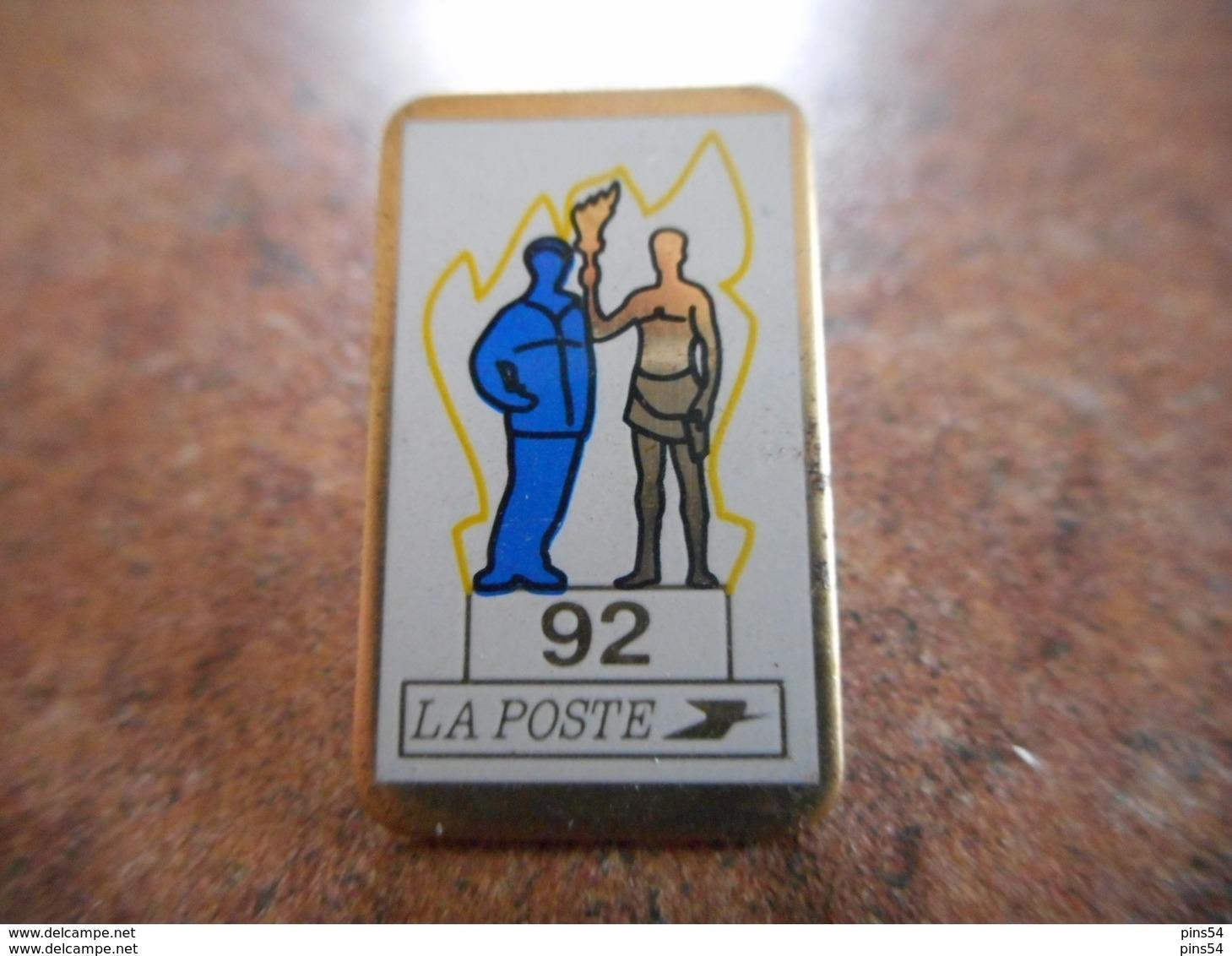 A021 -- Pin's La Poste 92 - Postwesen