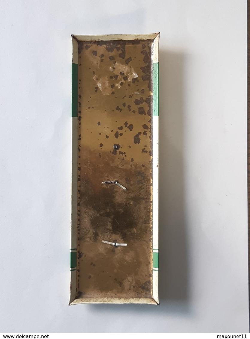 Plaque émaillée De 21cm/7cm Avec Publicité Engrais Usine Rosier à Moustier . - Non Classés