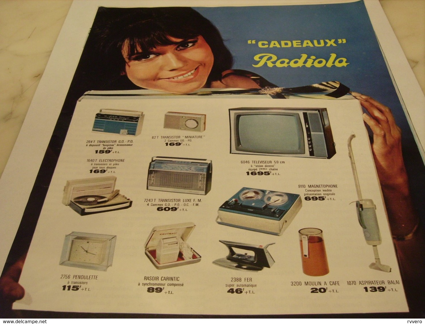 ANCIENNE   PUBLICITE CADEAUX  RADIOLA  1964 - Plakate & Poster