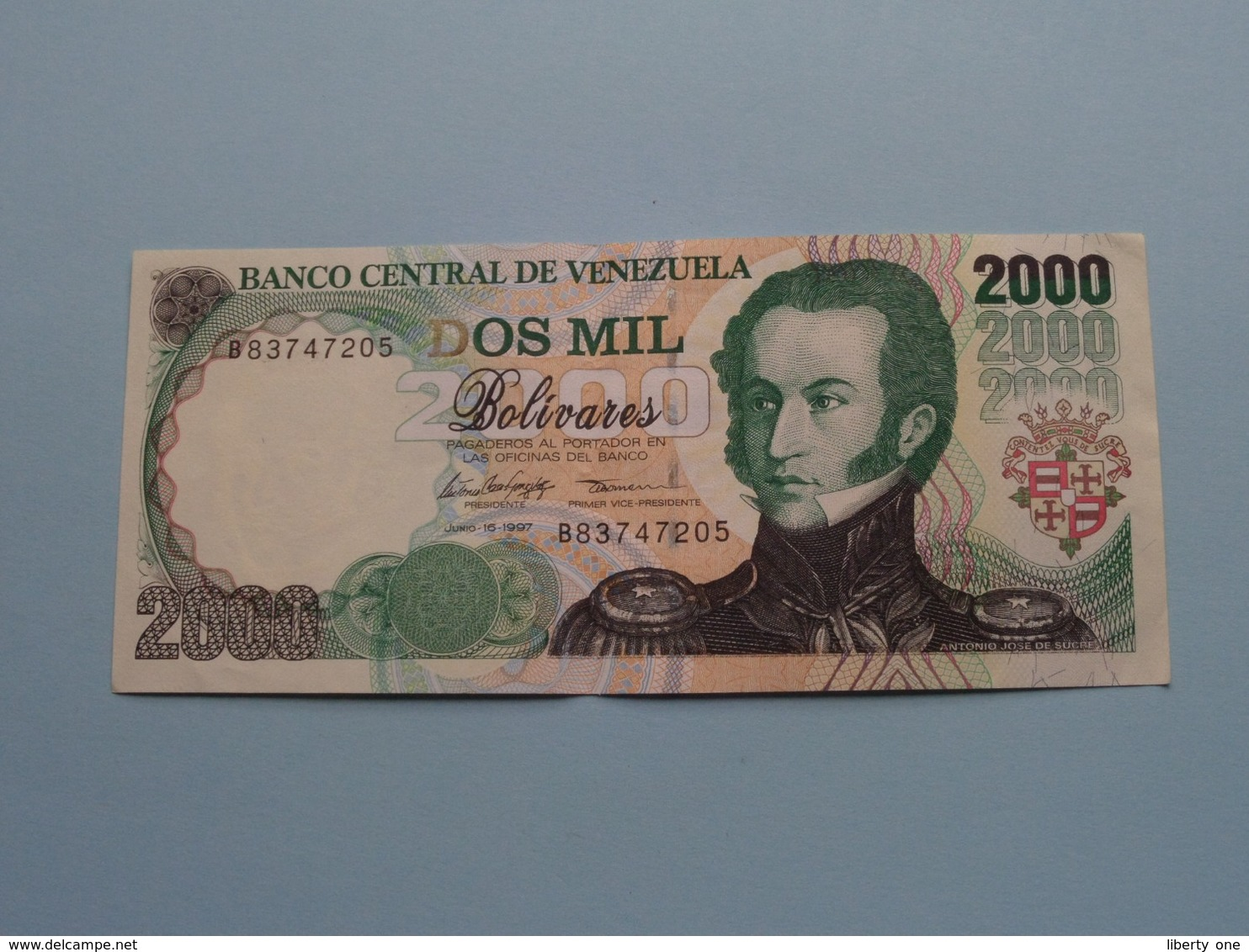 2000 Dos Mil BOLIVARES ( 1997 ) Banco Central De Venezuela ( For Grade, Please See Photo ) ! - Venezuela