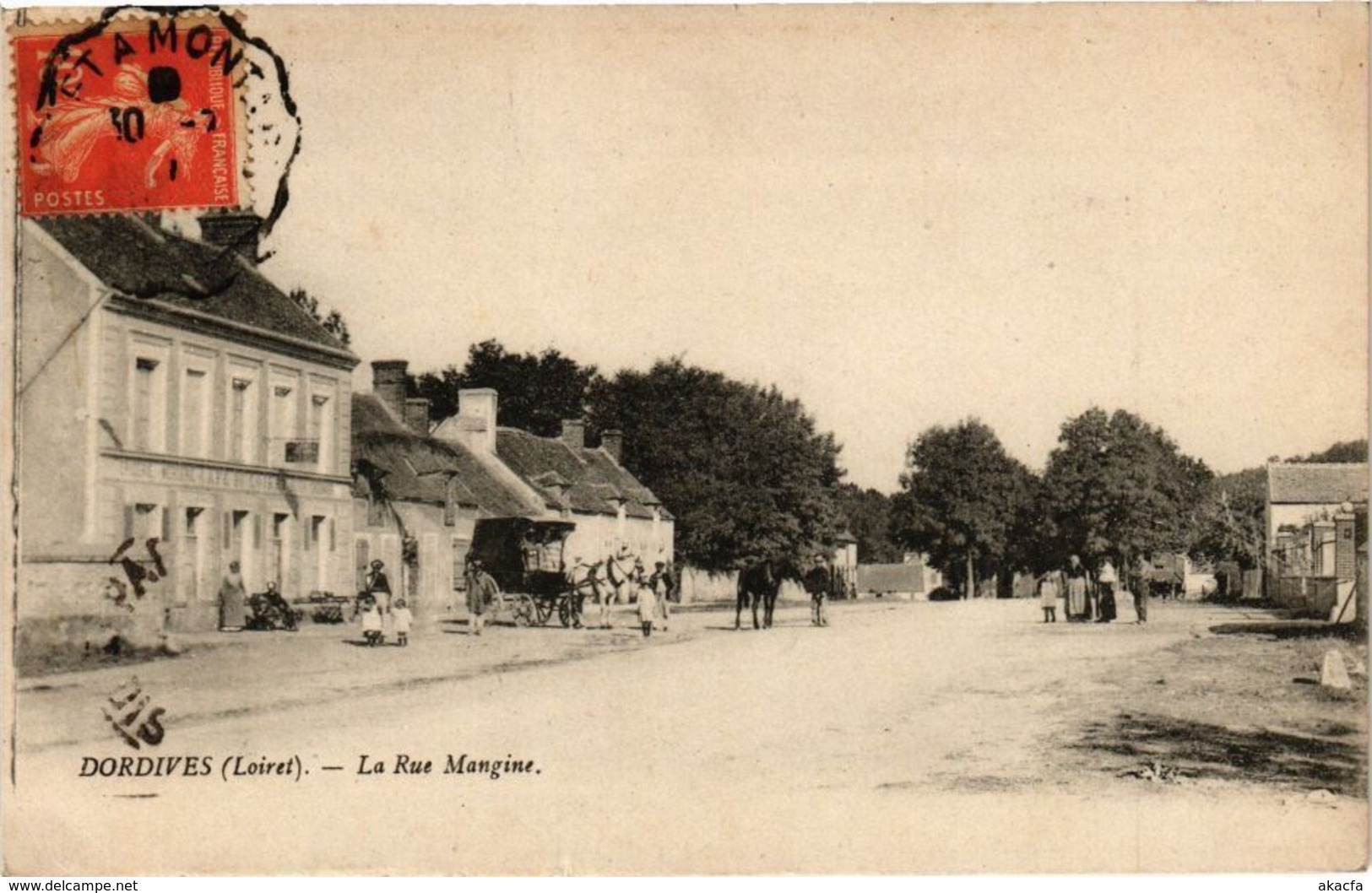 CPA DORDIVES - La Rue Mangine (164836) - Dordives