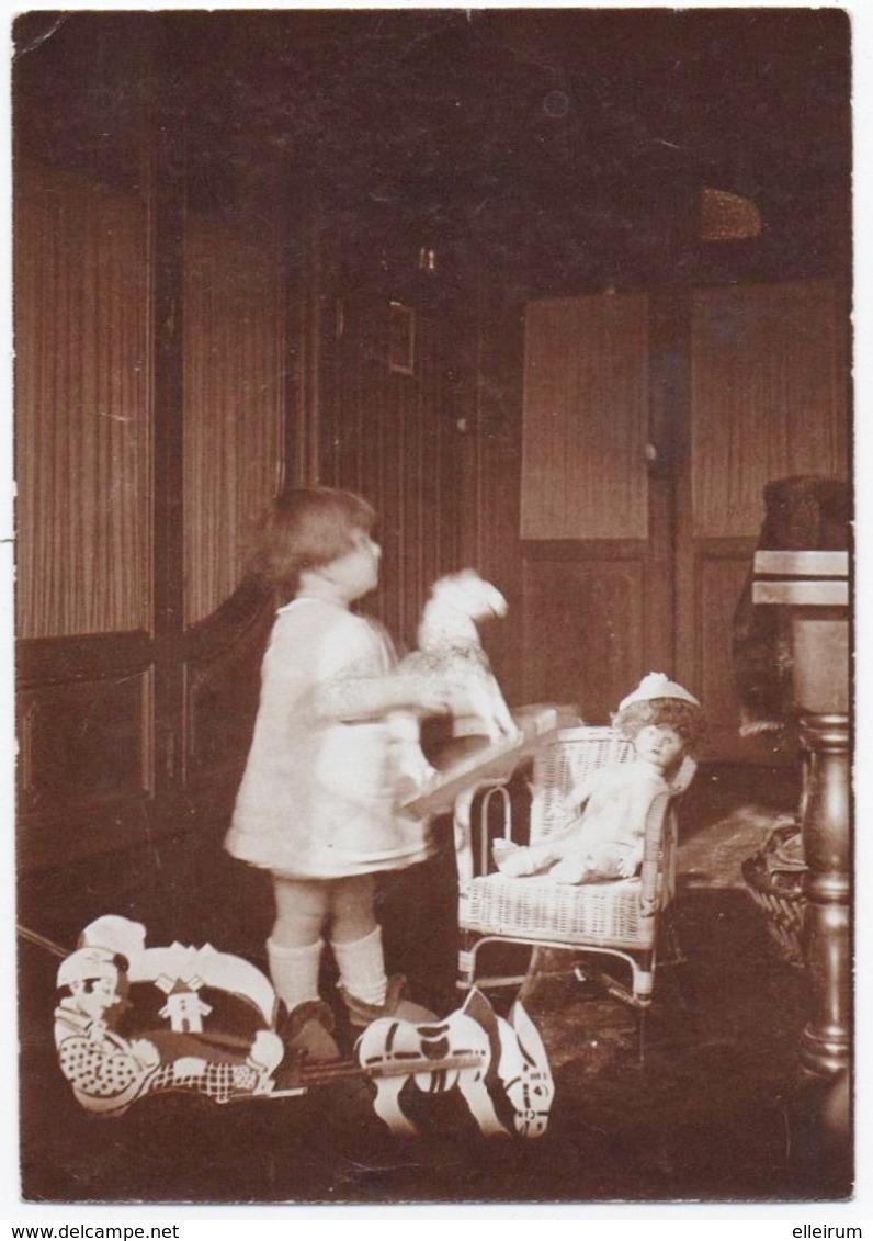 PHOTO. ENFANT. JOUETS ANCIENS. CHEVAUX. POUPEE. - Anciennes (Av. 1900)