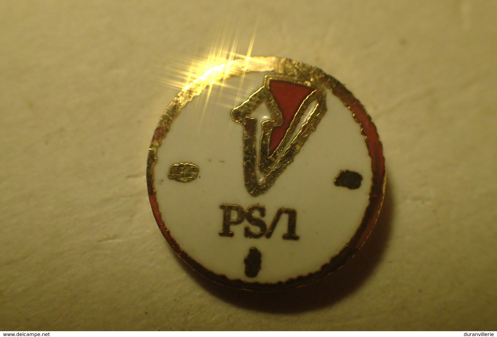 Pin's IBM - Informatique - PS/1 Pendule - Informatique