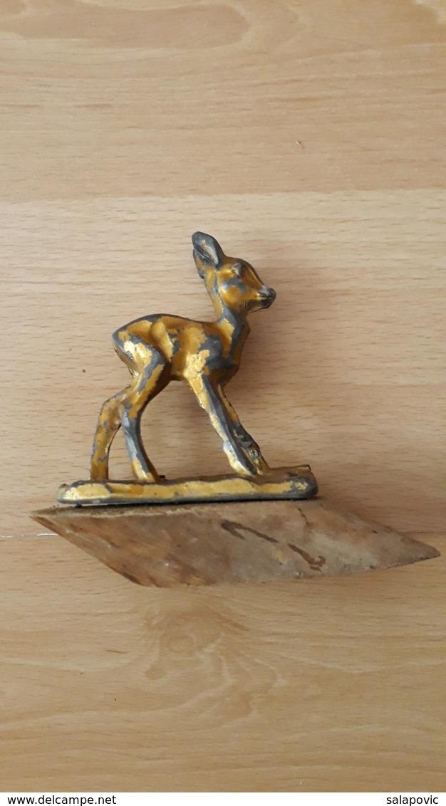 Bambi, Old Metal Figure On A Wooden Plinth - Sonstige