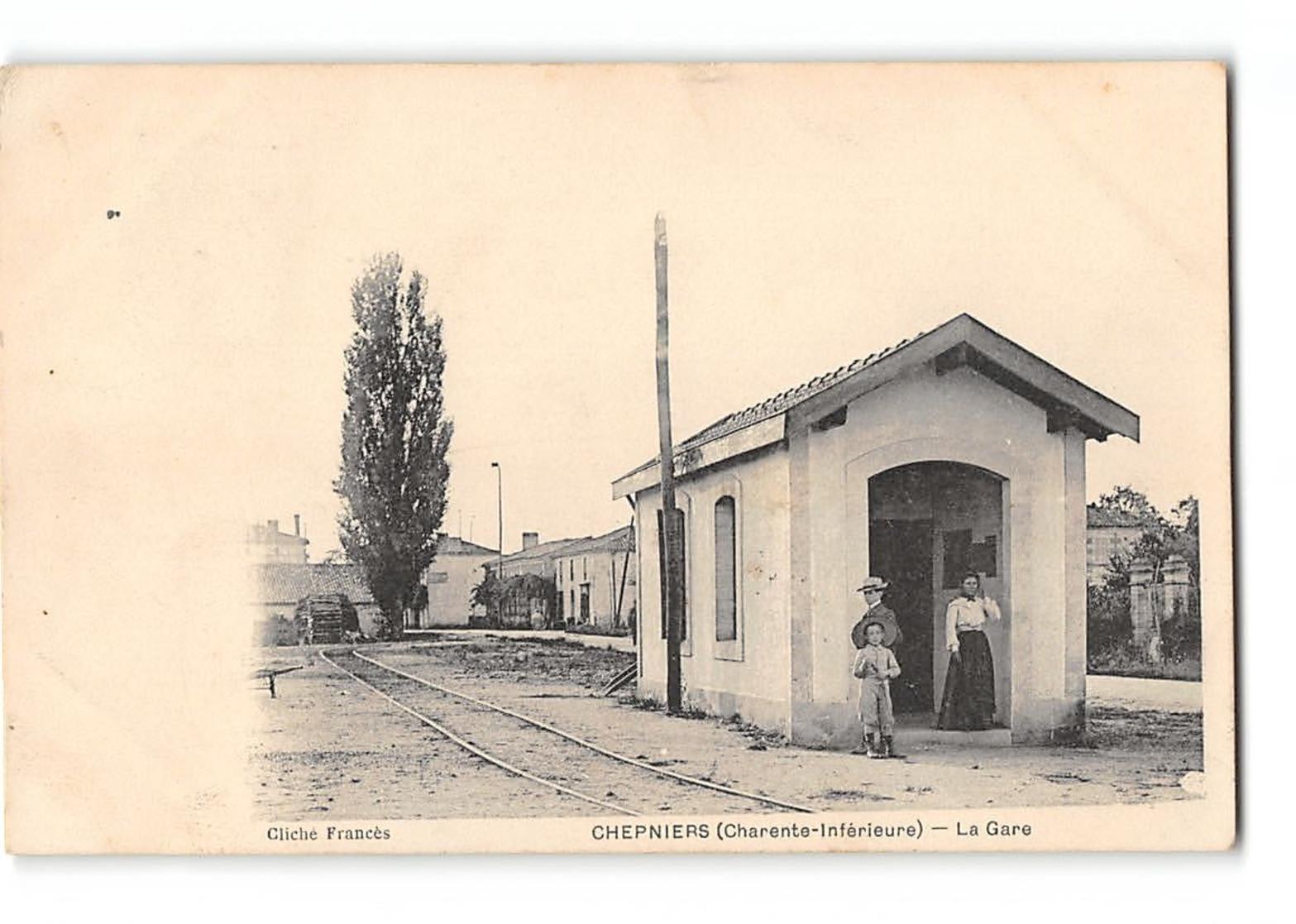 CPA 17 Chepniers La Gare - Autres Communes