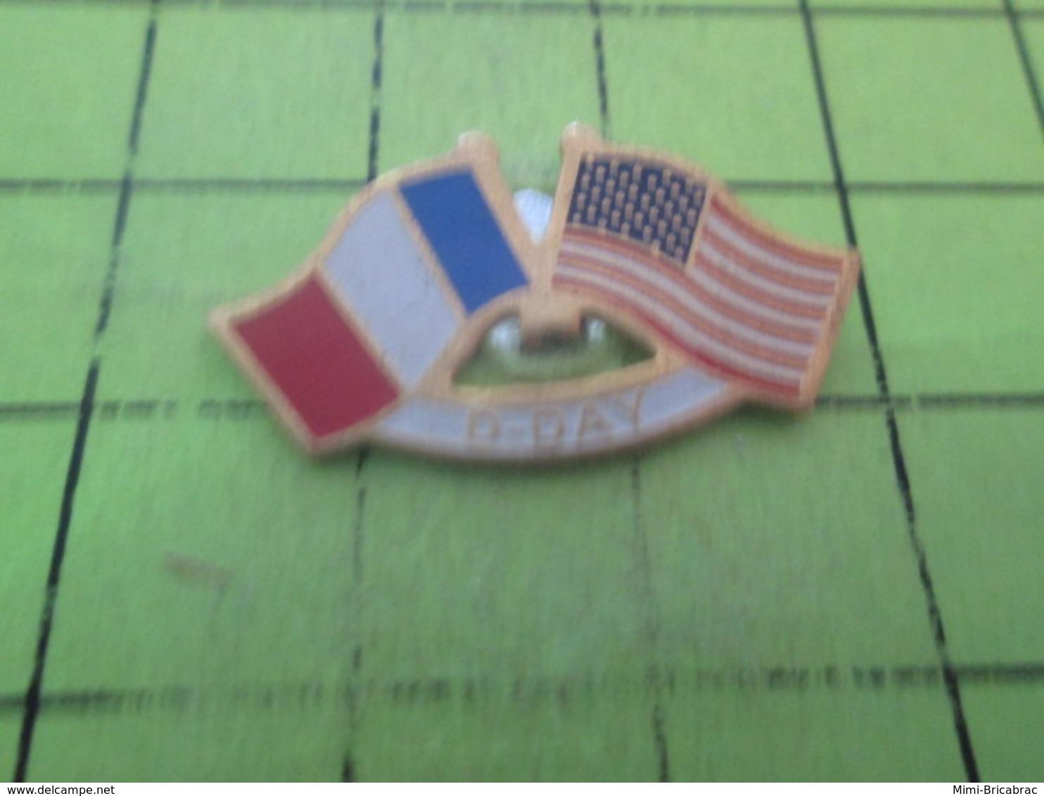 513c PINS PIN'S / Beau Et Rare : Thème MILITARIA / D-DAY DRAPEAUX USA ET FRANCE - Militaria