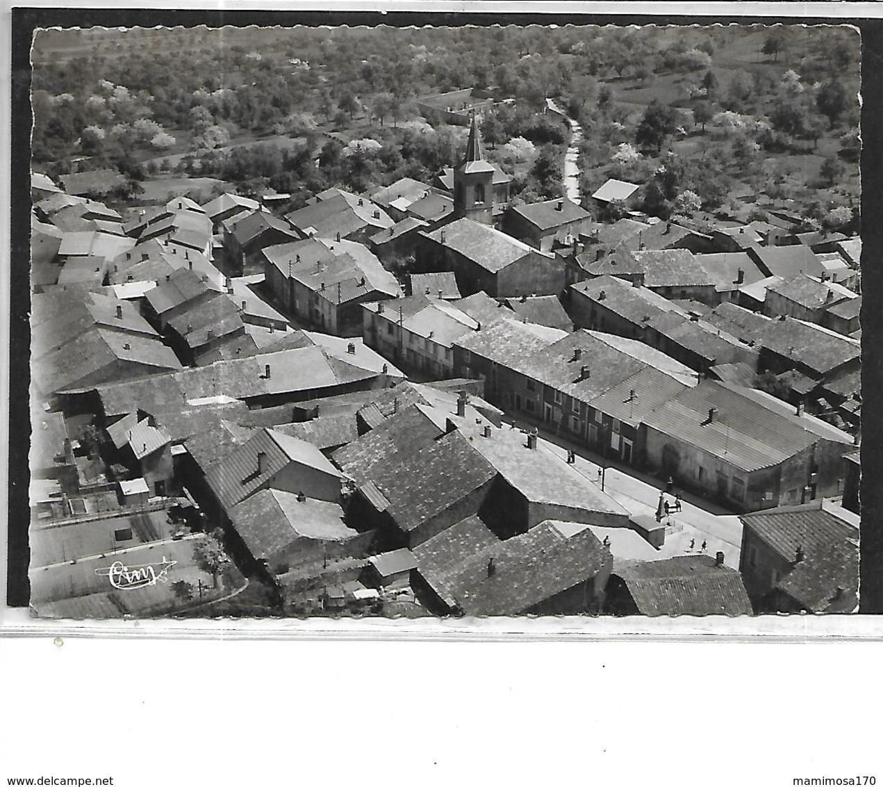 57-PIERREVILLIERS-( Rombas)-Une Vue Aérienne Animée Du CENTRE Du Village - Otros Municipios