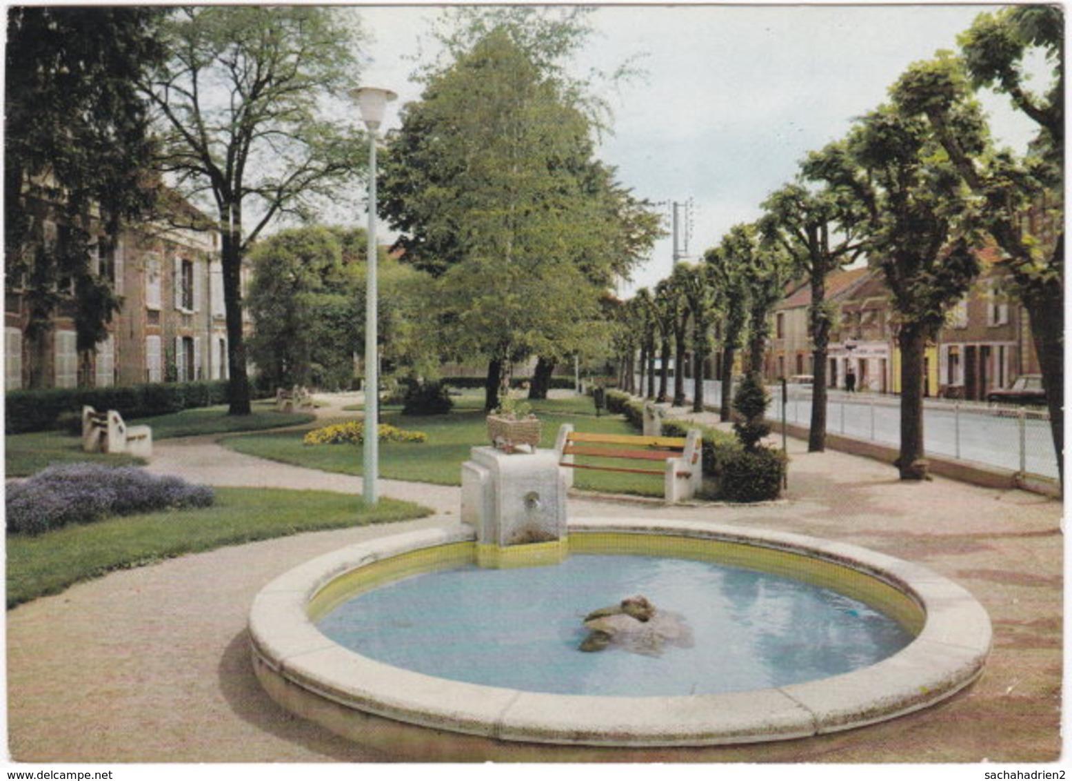 10. Gf. ROMILLY-SUR-SEINE. Le Square Des Cités Unies. 3 - Romilly-sur-Seine