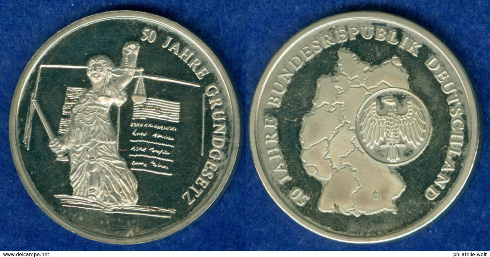 Medaille Deutschland 50 Jahre Grundgesetz 30mm - [ 7] 1949-…: BRD