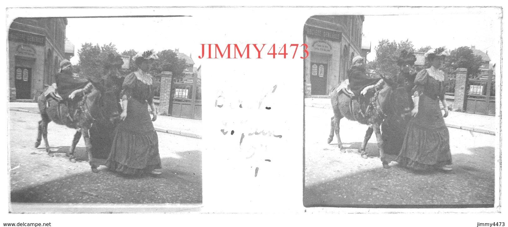 Plaque De Verre En Stéréo - Berck 62 Pas De Calais - Un Âne Et Une Rue Bien Animée Le 21 Juin 1907  Taille 43 X 107 Mlls - Glasdias