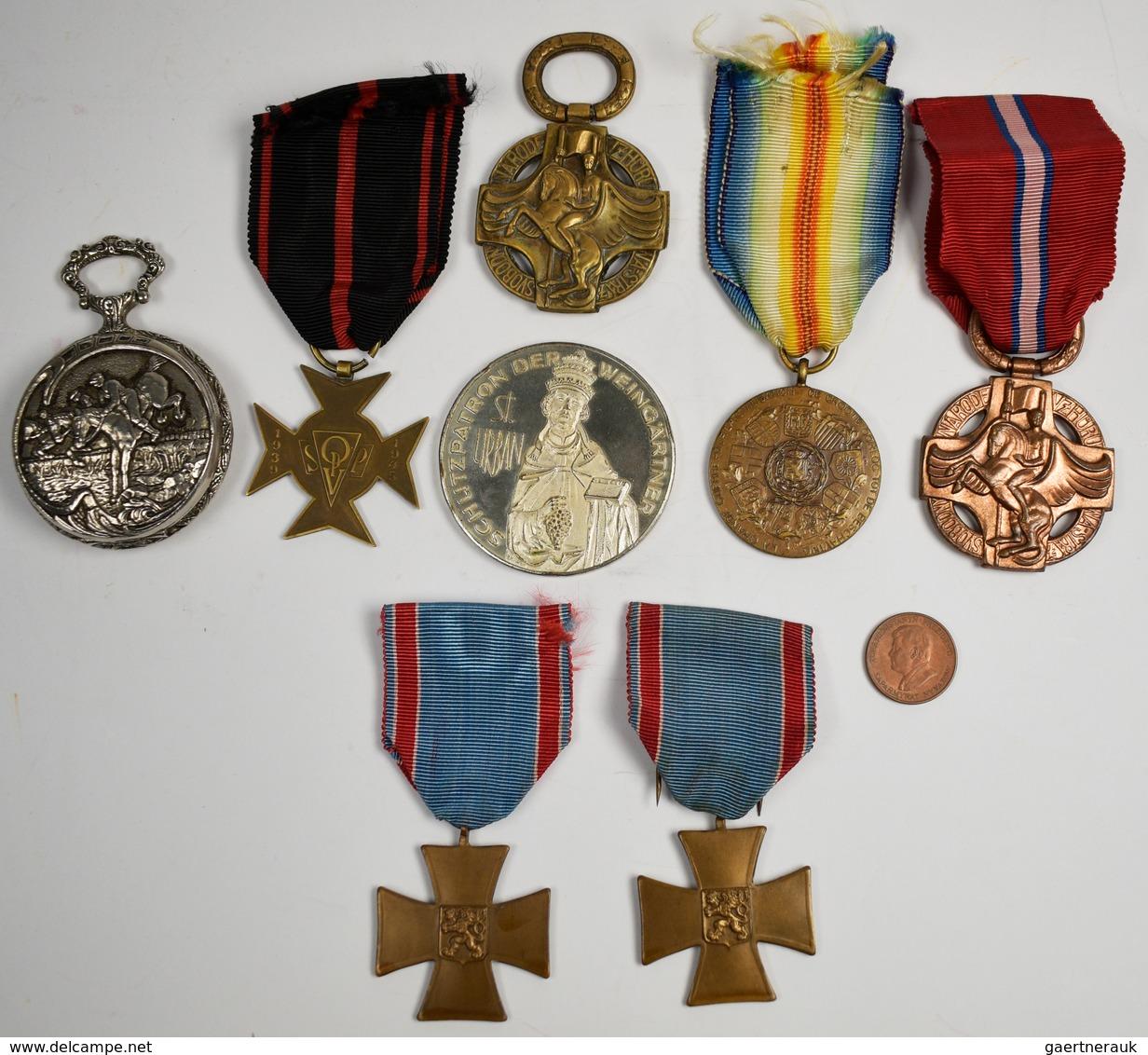 Orden & Ehrenzeichen: Tschechoslowakei: Kleines Lot 6 Orden, Dabei: Soldatenkreuz 1938 (Freiwillige) - Militaria