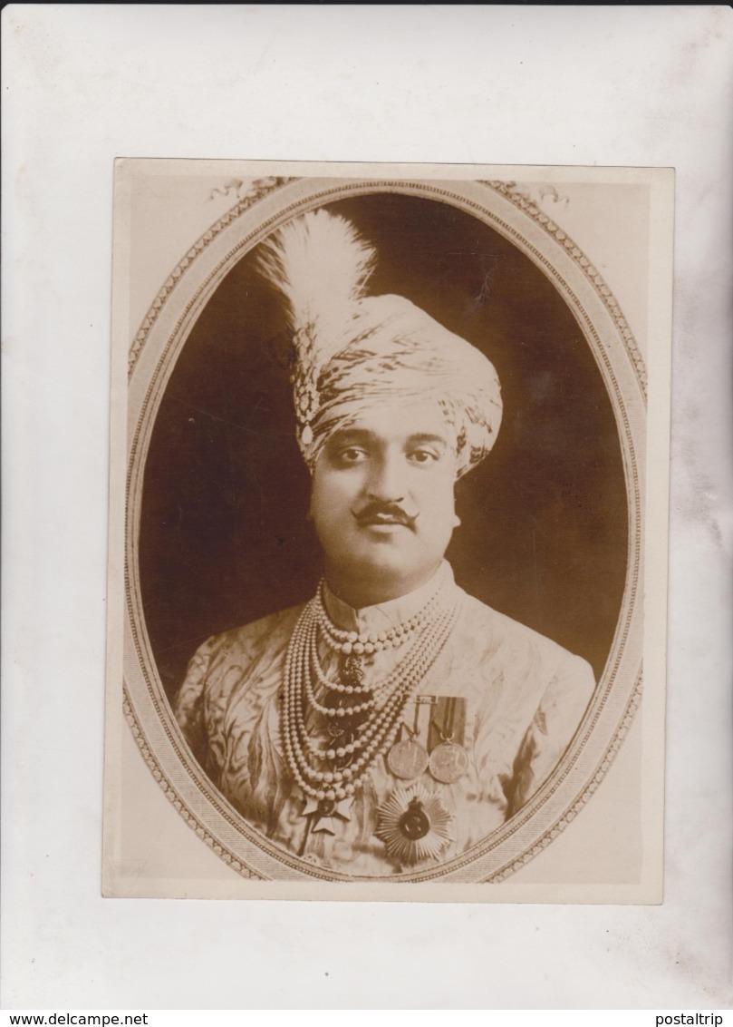 SIR HARISINGH ROBINSON CASE UNCLE DEAD MAHARAJAH  OF KASHMIR KASMIR THRONE  INDIA  21*16CM Fonds Victor FORBIN 1864-1947 - Personalidades Famosas