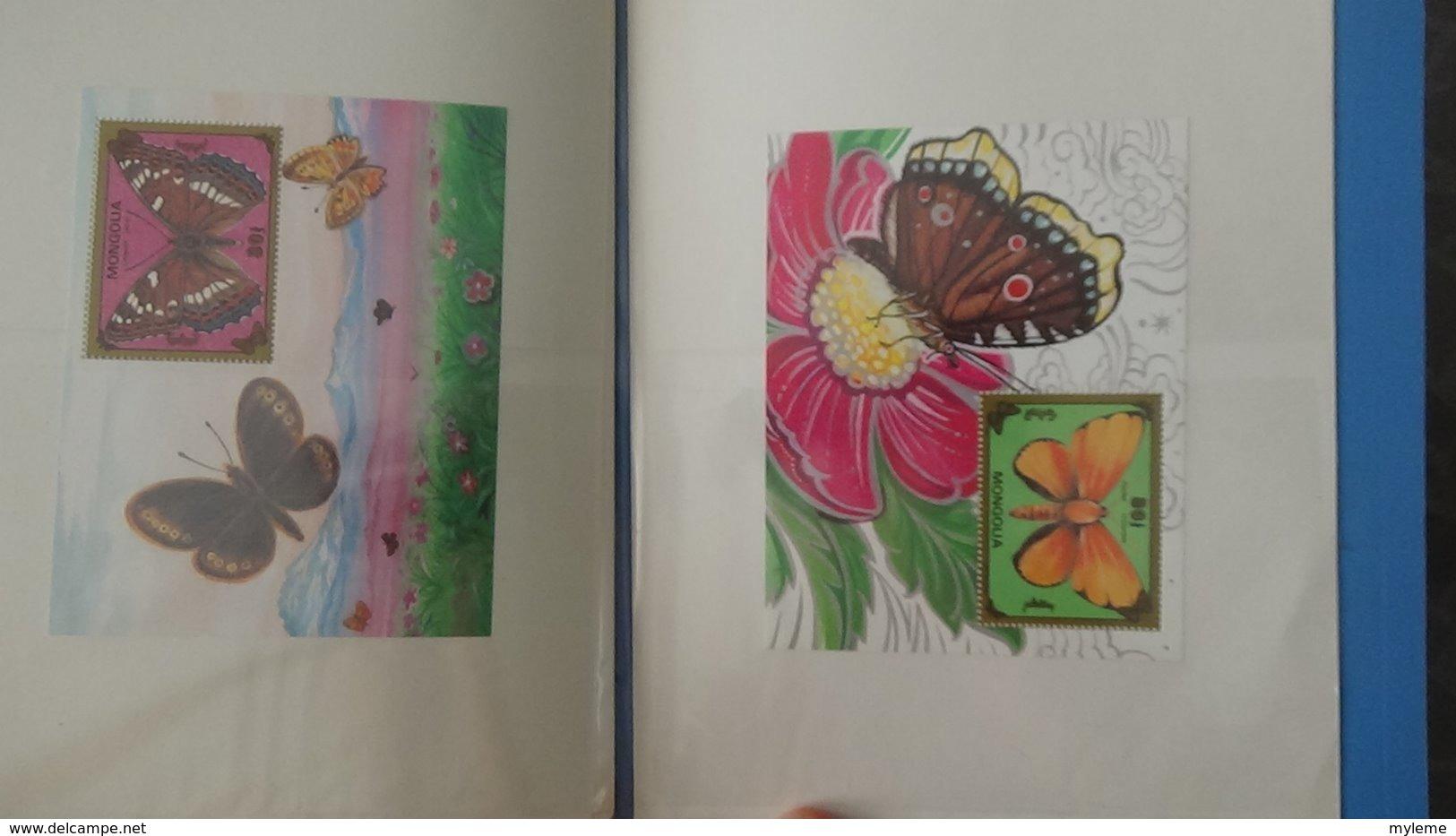 Petite Collection De MONGOLIE En Timbres Et Blocs ** Dans 3 Carnets . A Saisir !!! - Stamps