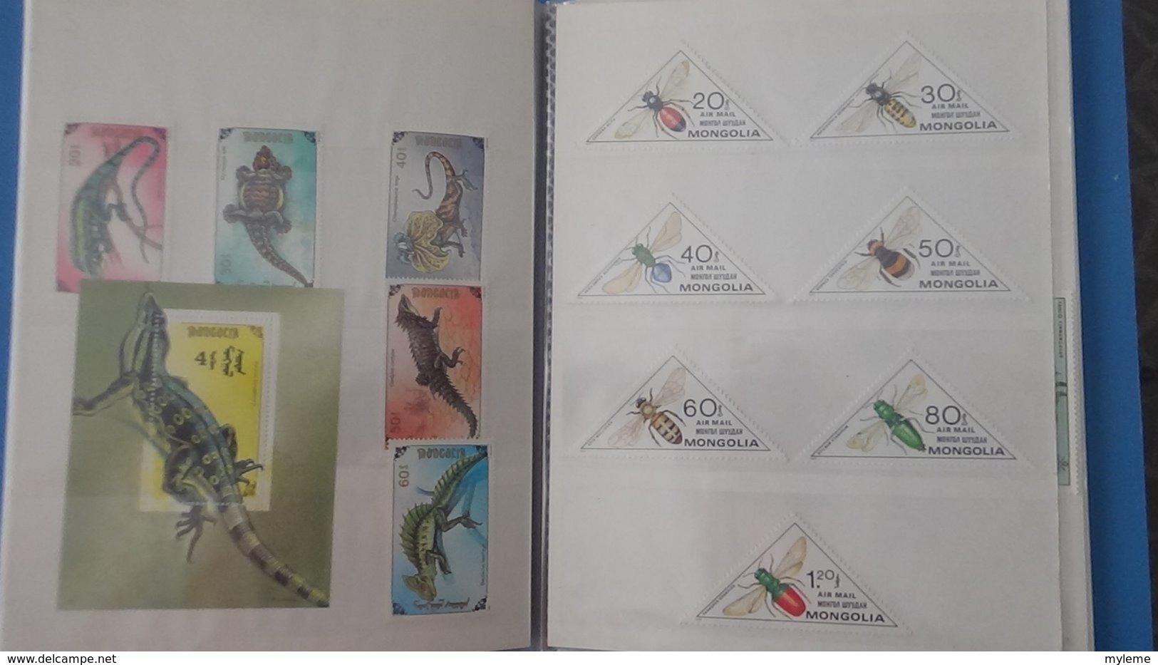 Petite Collection De MONGOLIE En Timbres Et Blocs ** Dans 3 Carnets . A Saisir !!! - Collections (with Albums)