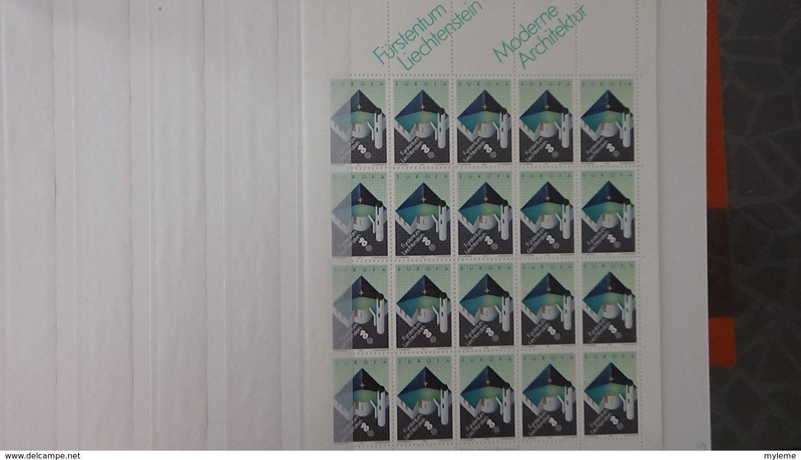 Plus De 140 Blocs, Bandes, Carnets ** + Timbres De Différents Pays. A Saisir !!! - Collections (en Albums)