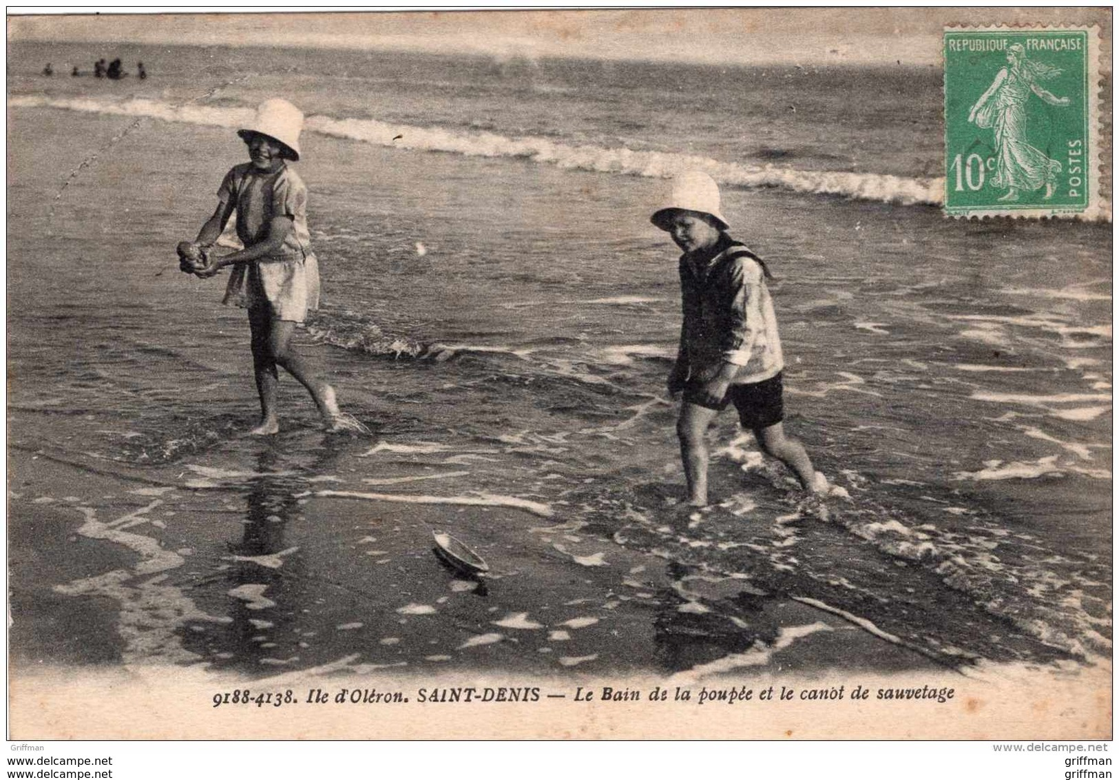 ILE D'OLERON SAINT DENIS LE BAIN DE LA POUPEE ET LE CANOT DE SAUVETAGE 1923 TBE - Ile D'Oléron