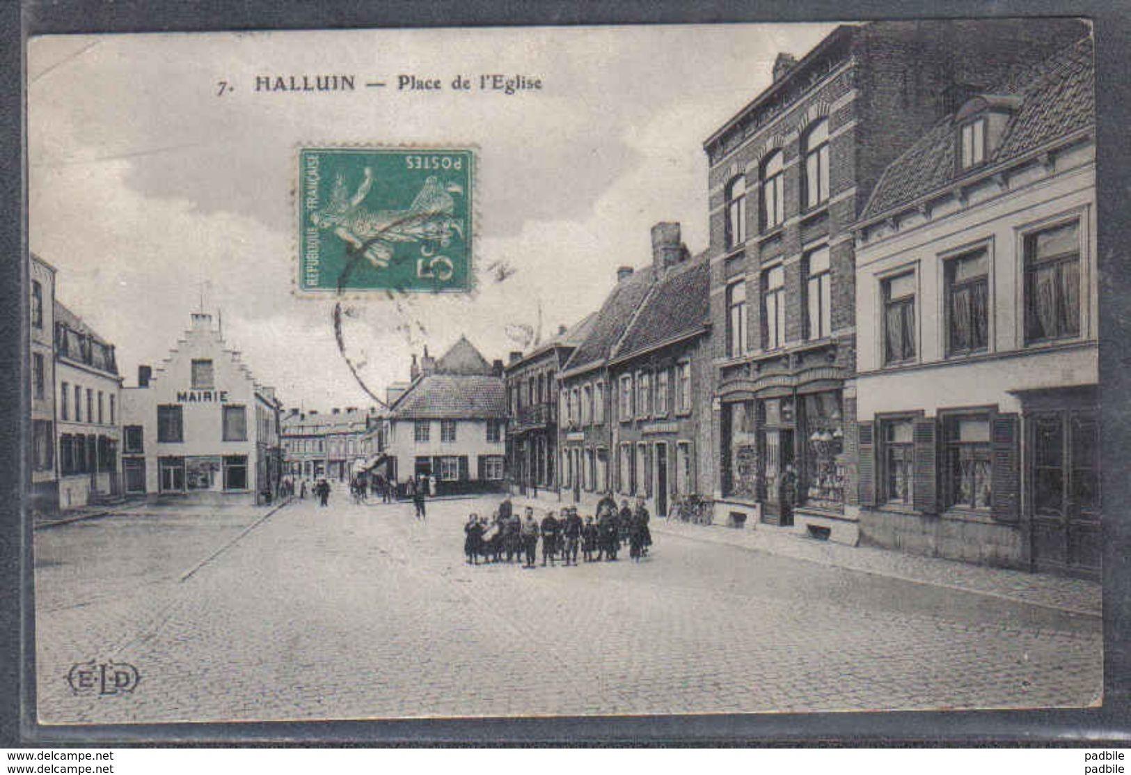 Carte Postale 59. Halluin Place De L'Eglise   Trés Beau Plan - France