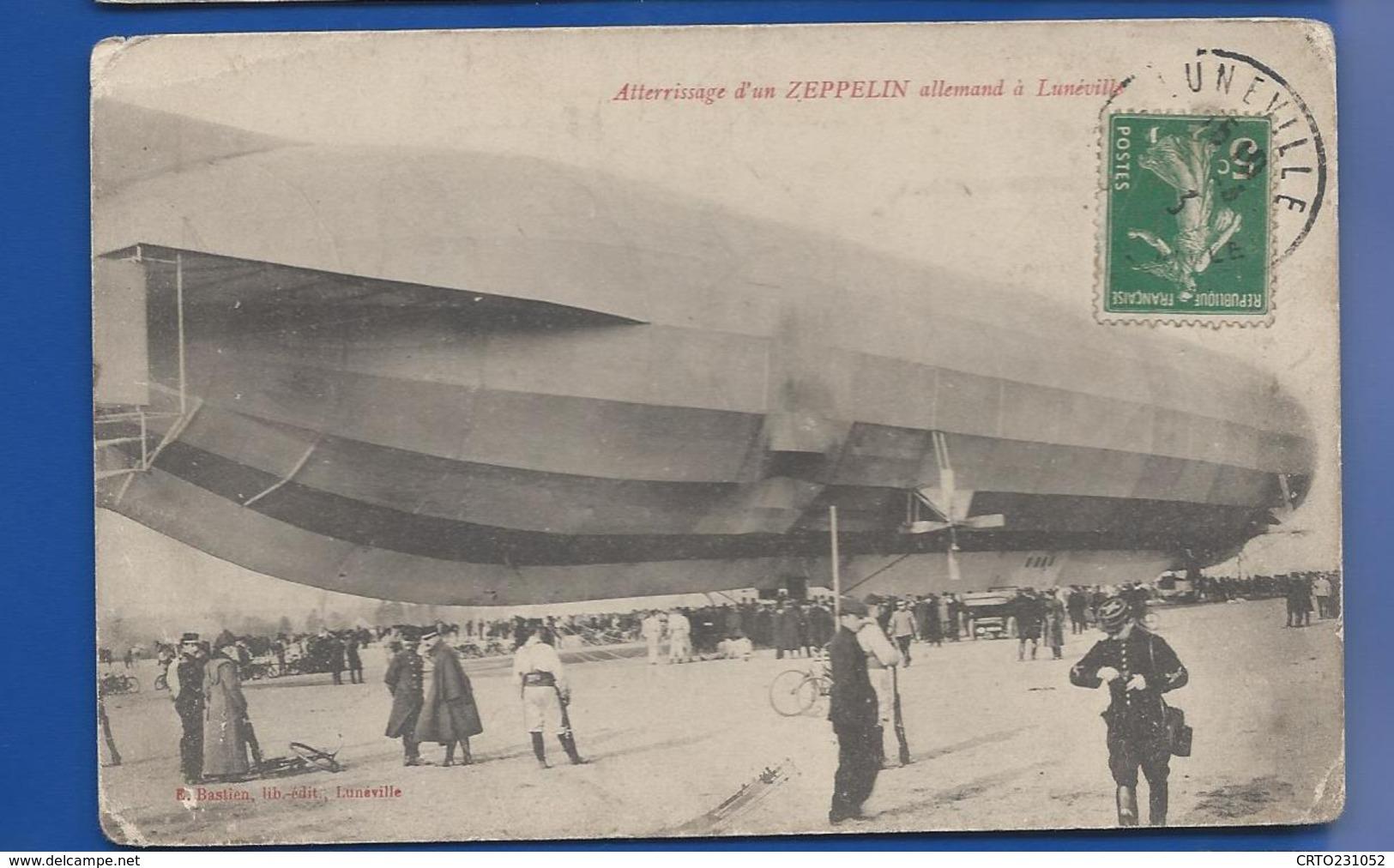 LUNEVILLE    Atterrissage D'un Zeppelin    Animées     écrite En 1913 - Luneville