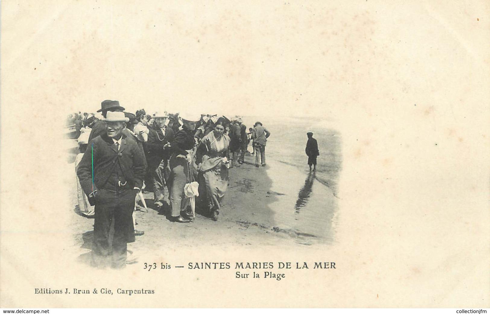 "/ CPA FRANCE 13 ""Les Saintes Maries De La Mer, Sur La Plage"" - Saintes Maries De La Mer"