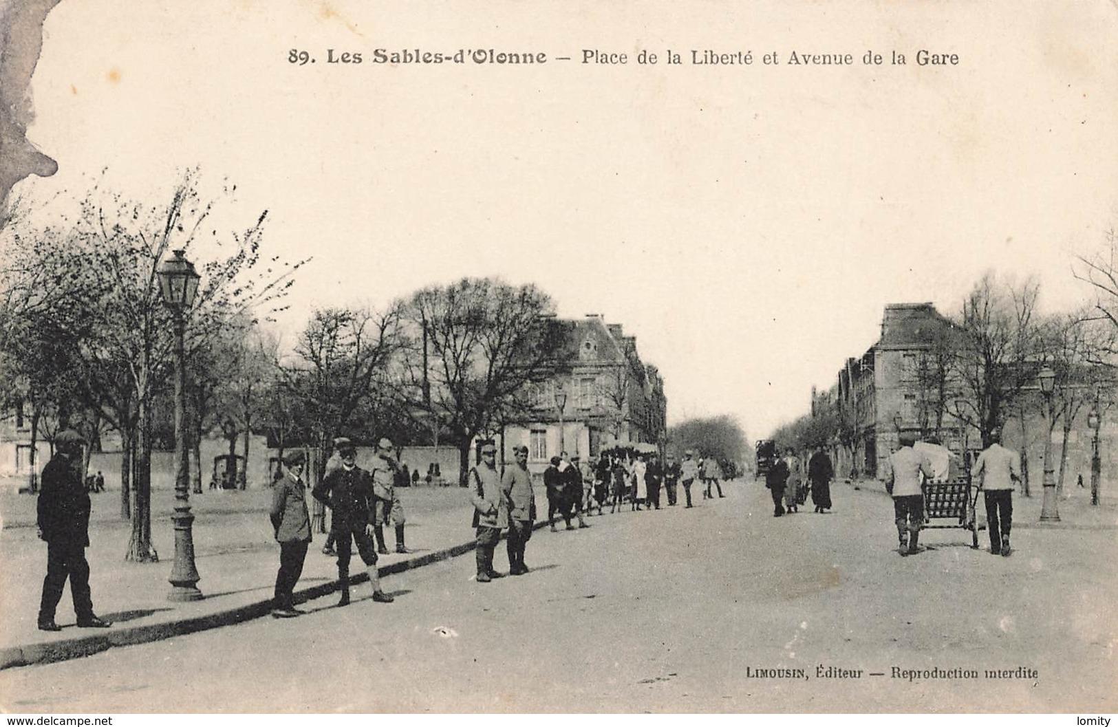 85 Les Sables D' Olonne Place De La Liberté Et Avenue De La Gare Cpa Carte Animée - Sables D'Olonne