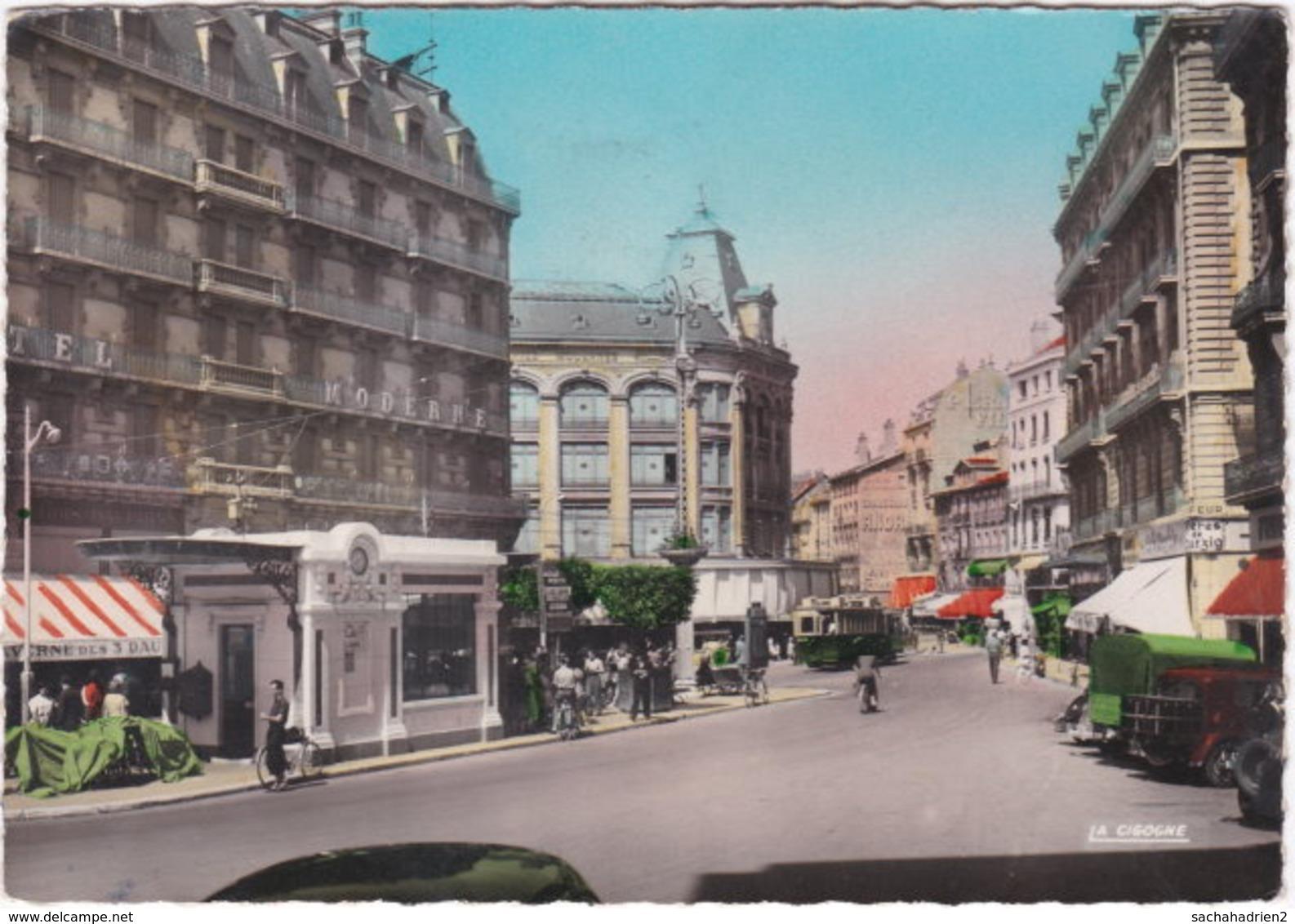 38. Gf. GRENOBLE. Place Grenette. 174 - Grenoble