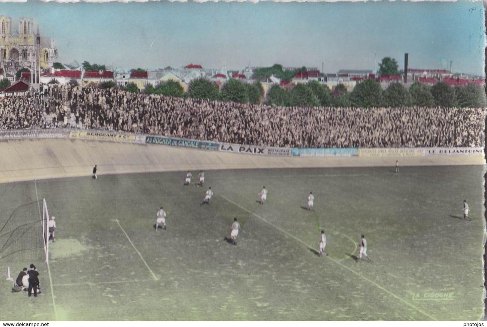 2 CPSM :  Stade De Reims (51)   Le Stade Et Les Tribunes - Le Stade Et Les Populaires Match  Ed  La Cigogne - Football