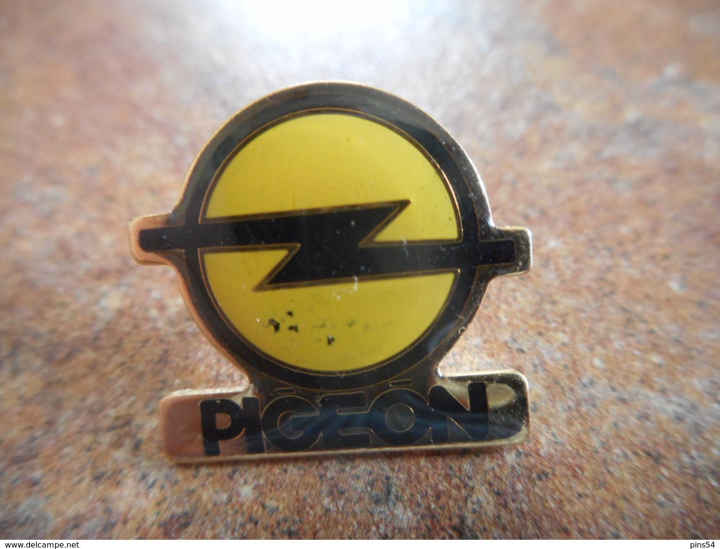 A044 -- Pin's Opel Pigeon - Opel