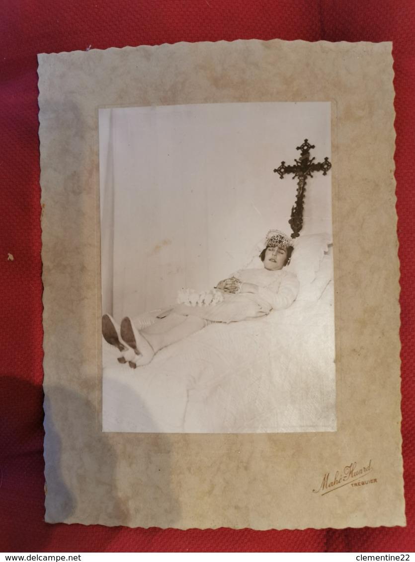 Photographie Post-morten * Femme * Mahé Huard à Tréguier - Personnes Anonymes
