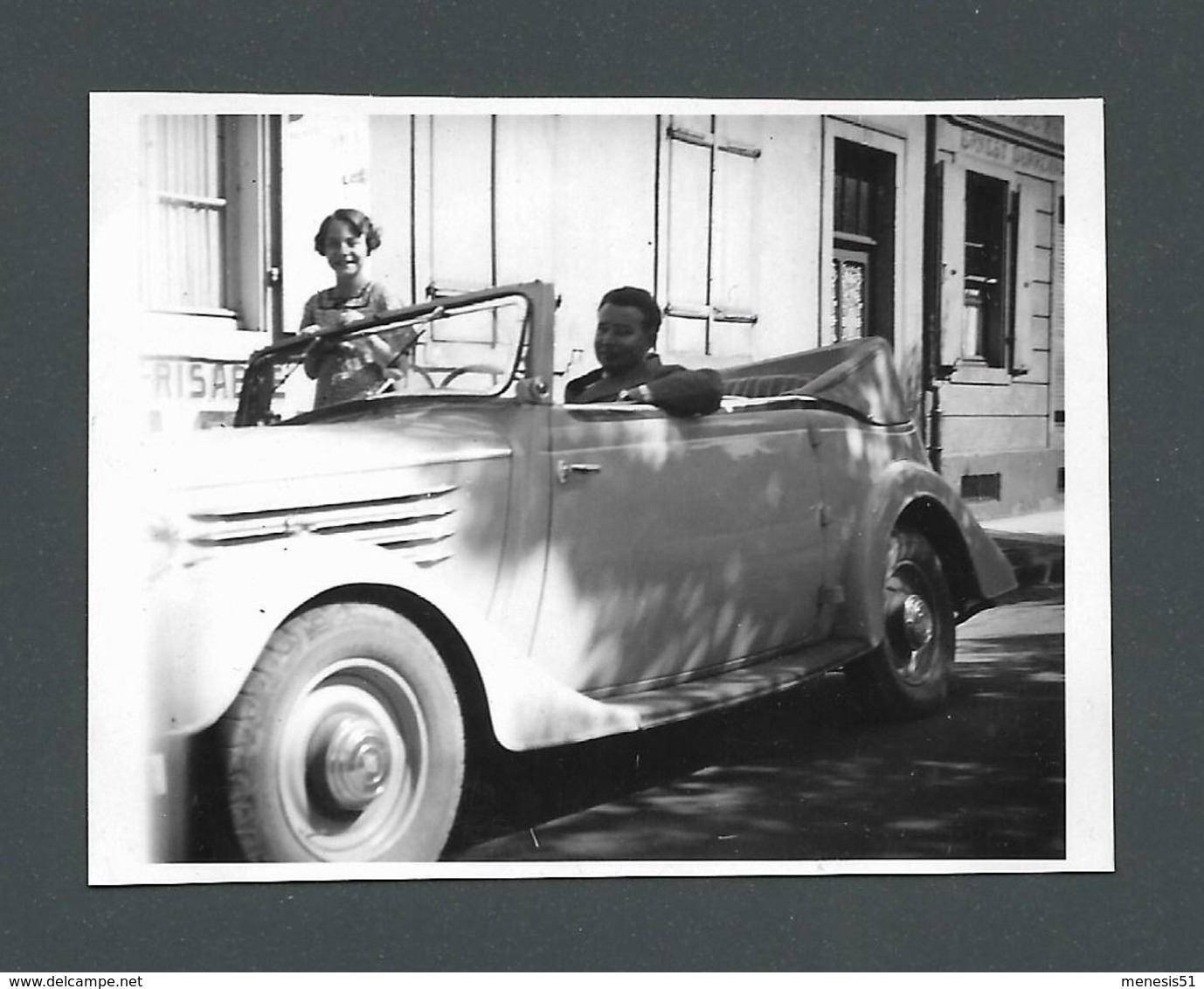 VOITURE Automobile Car Cabriolet Décapotable Avec Deux Jeunes Adolescents Teenager à Son Bord Photo Ancienne Old Real - Automobile