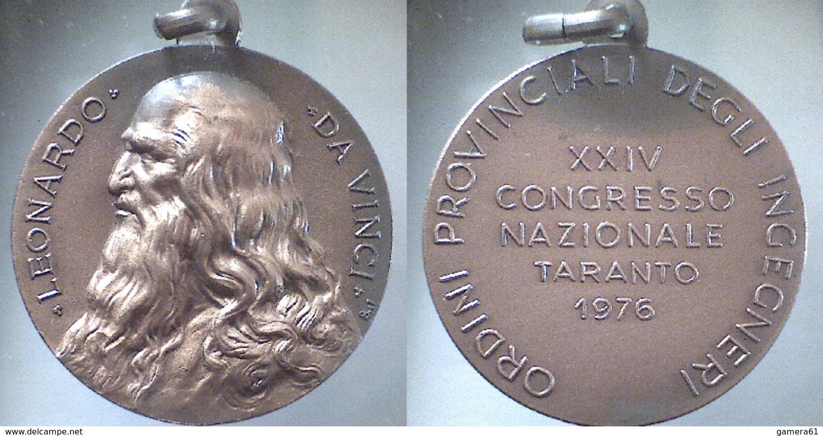 01582 MEDAGLIA MEDAL LEONARDO DA VINCI TARANTO ORDINE INGEGNERI 1976 - Sin Clasificación