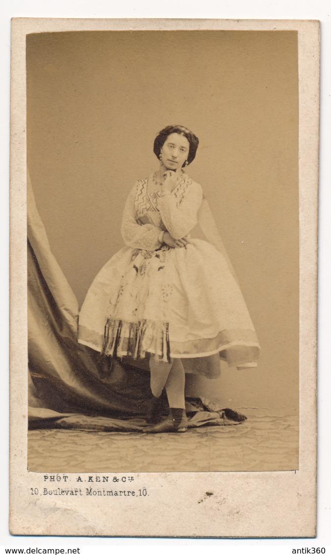 Photographie Ancienne XIXe CDV C. 1860 Portrait De La Danseuse Amalia FERRARIS 1828-1904 Photographe Aleksander Ken - Old (before 1900)