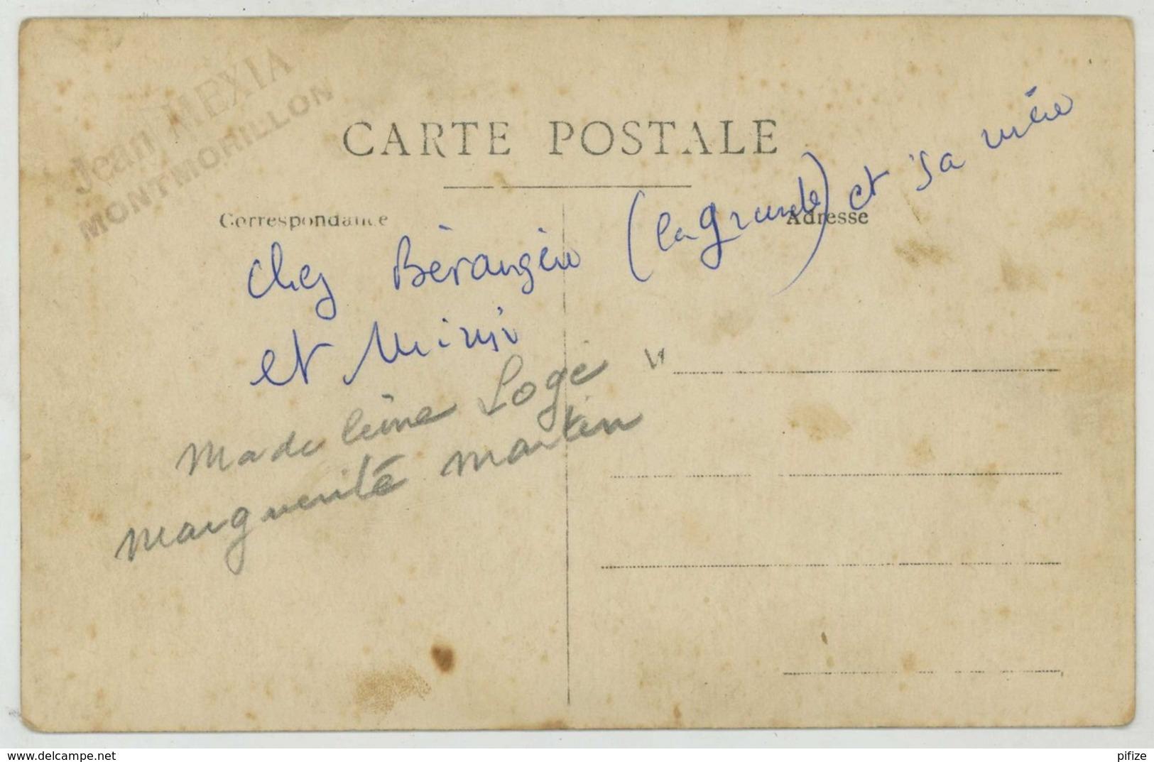 Carte Photo De L'entreprise De Jours à La Main B. Mathé . Broderie . Photo Jean Mexia , Montmorillon . - Montmorillon