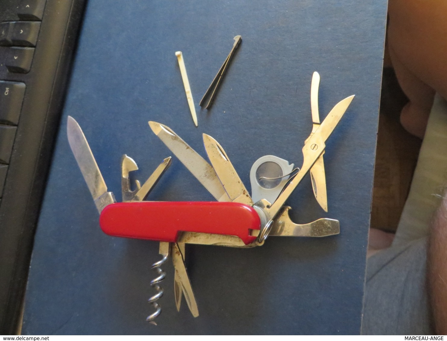 Couteau Suisse Voir Les Photos,plus De 10 Ustencils - Armes Blanches