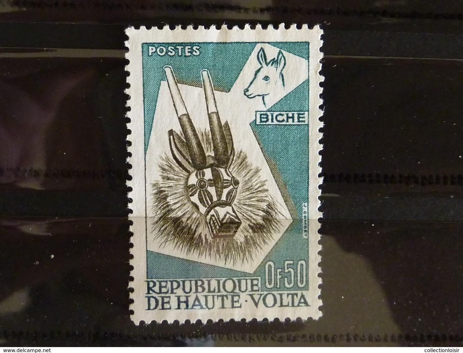 ALBUM CONTENANT 310 TIMBRES DE FRANCE ET DU MONDE ( 51 Photos ) - Stamps