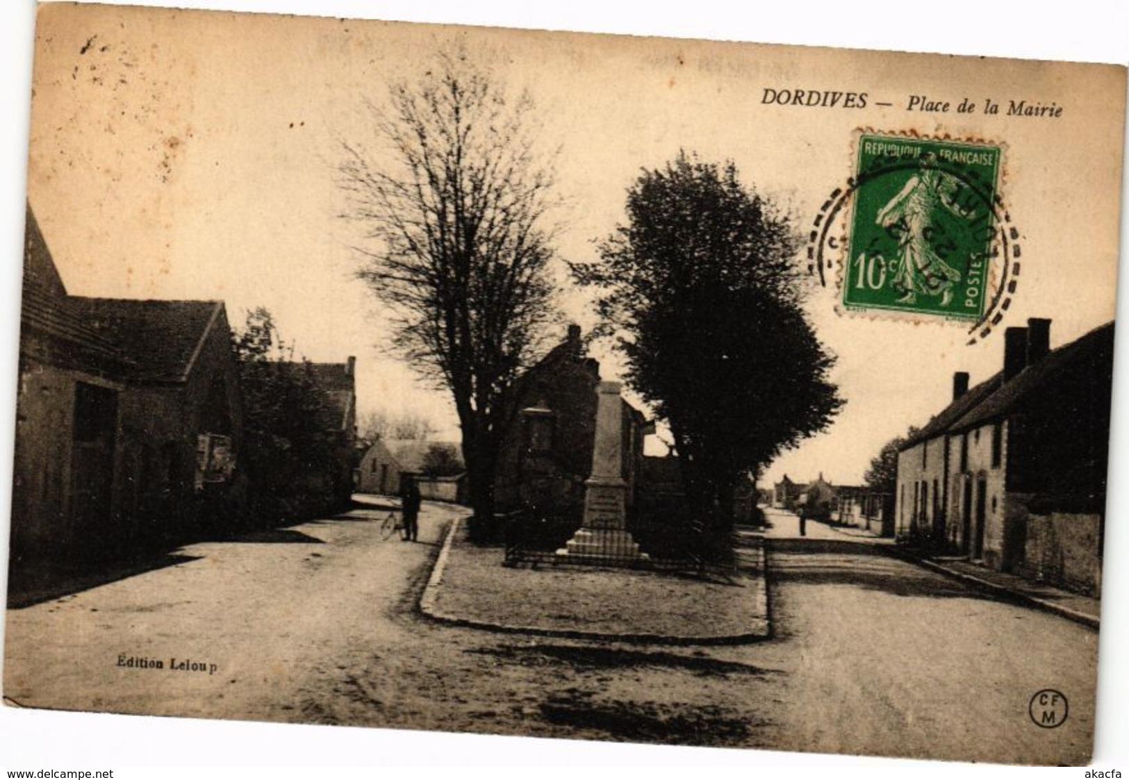 CPA DORDIVES-Place De La Mairie (264922) - Dordives