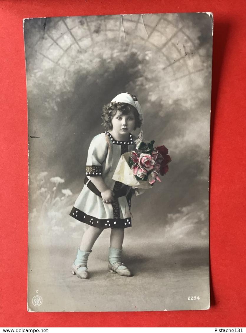 1911 - KINDJE MET BLOEMEN - ENFANT ET FLEURS - Portraits
