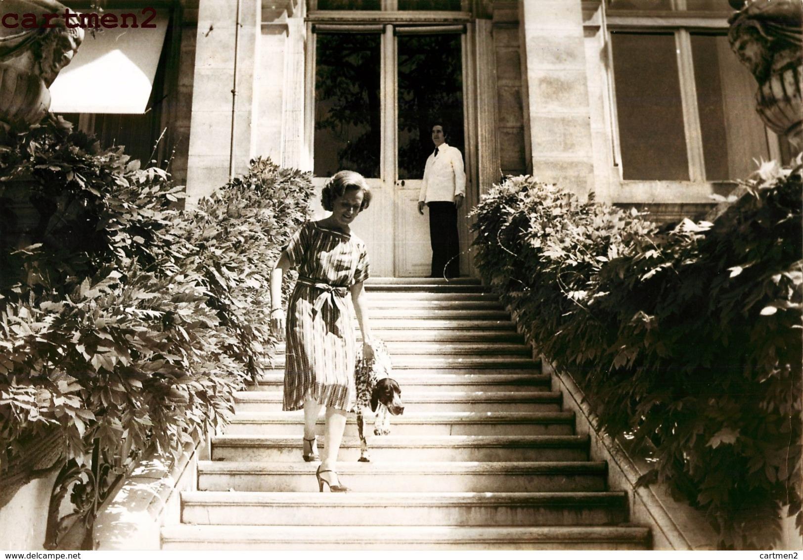 """GRANDE PHOTOGRAPHIE BERNADETTE CHIRAC ET SON CHIEN JASMINE """" BLEU D'AUVERGNE """" PRESIDENT FRANCAIS PREMIER MINISTRE - Personalidades Famosas"""